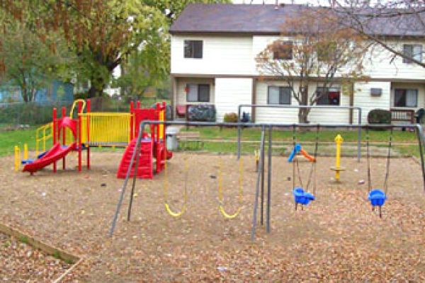 Blue Earth Apartments - Playground