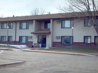 Madison, SD – Parkview Apartments & Townhomes