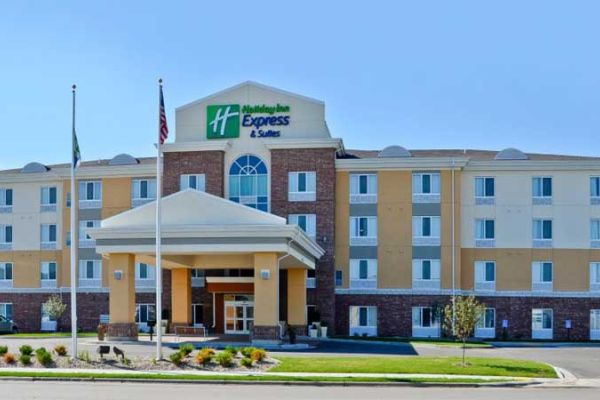 Holiday Inn Express And Suites Williston 3651074500 2x1
