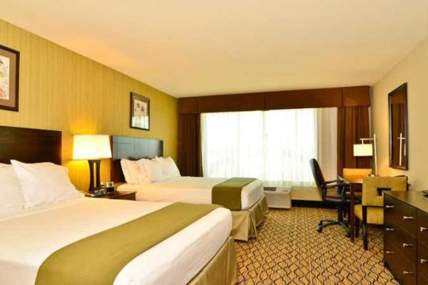 Holiday Inn Express And Suites Williston 4598133601 2x1