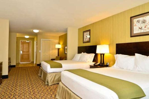 Holiday Inn Express And Suites Williston 4598134064 2x1